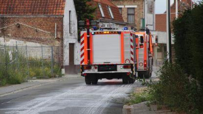 Brandweer ruimt oliespoor van verschillende straten