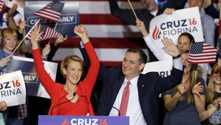 Carly Fiorina en Ted Cruz vlak nadat hij bekendmaakte dat zij zijn running mate wordt. Beeld null
