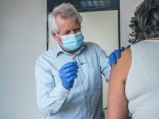 Huisarts Hans start als eerste met coronavaccinaties in Zoetermeer: '98 procent van mijn patiënten doet het'