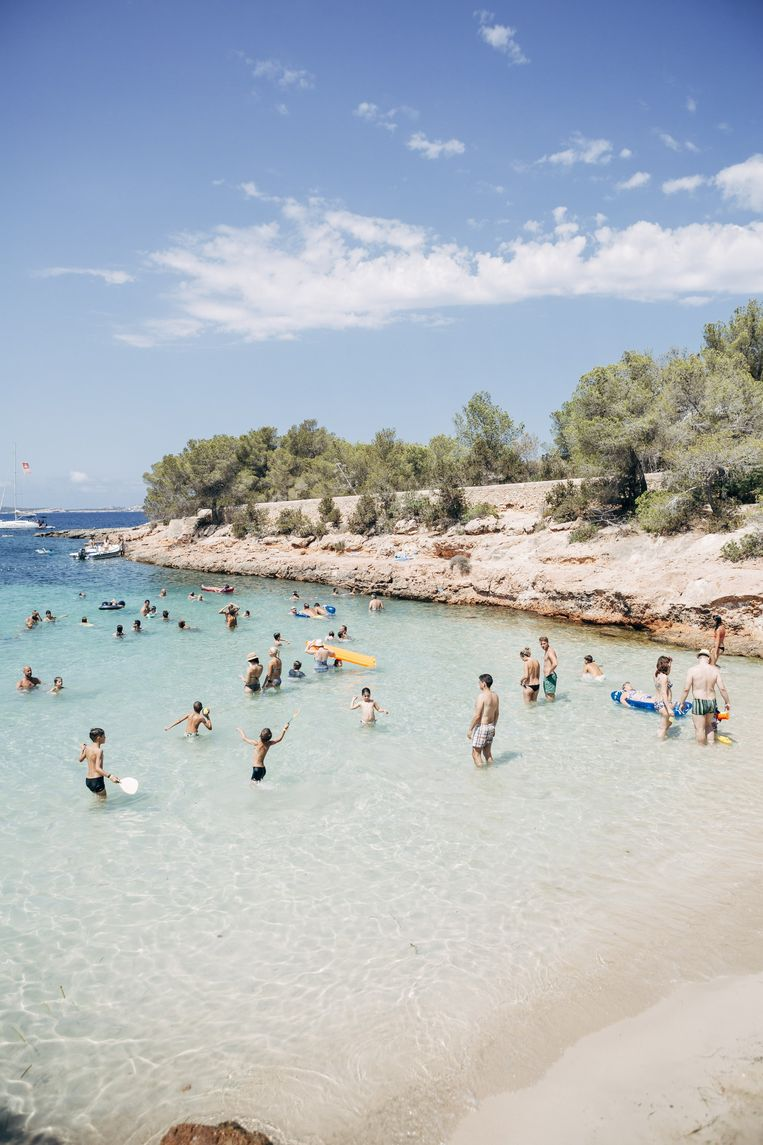 Kinderen kunnen spelen in het ondiepe water en er zijn zelfs beachclubs met kleuteranimatie. Beeld Joris Casaer