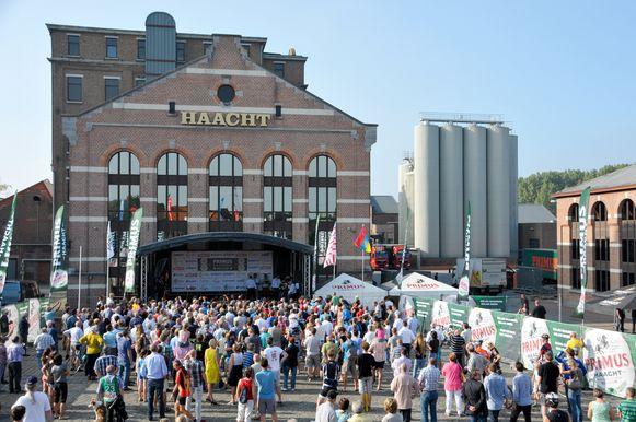 De aankomst van de Primus Classic aan de Brouwerije van Haacht.