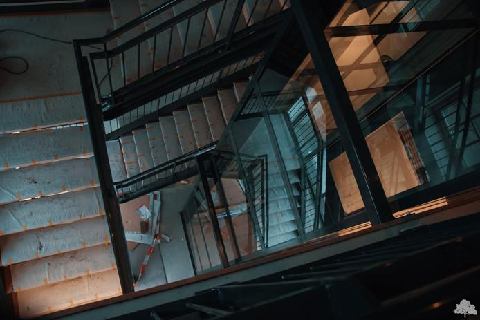 Het trappenportaal in het Eibergse hotel.