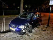 Vrouw botst tegen lantaarnpaal in Oisterwijk