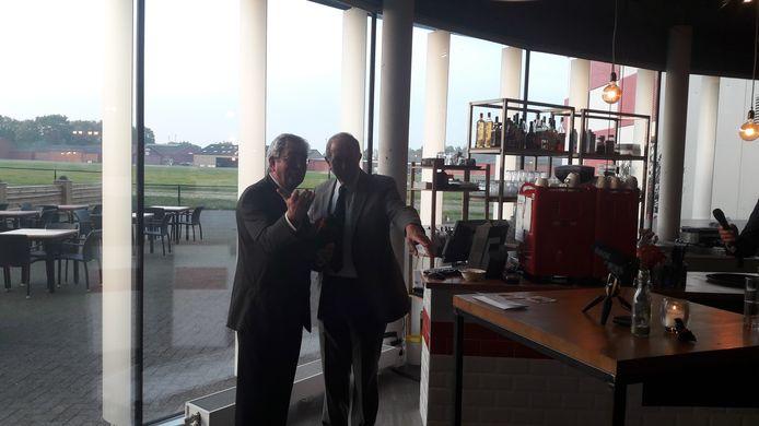 Jan Voeten en Charles Jacobs bij afscheidsreceptie
