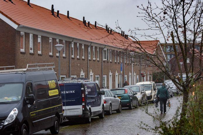 Bewoners van de Boxtartstraat in Zutphen zijn de renovatie van woonbedrijf Ieder1 aan hun woning zat. Nieuw geplaatste ramen sluiten niet goed, gaten in kelders zorgen voor binnenstromend regenwater en de woningen zijn volgens hen slechter geïsoleerd dan voor de start van de renovatie.