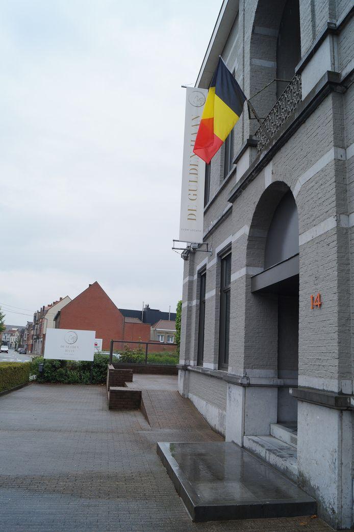De entree van de Gulden Haan in Staden