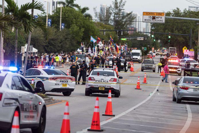 De politie doet onderzoek naar het ongeval.