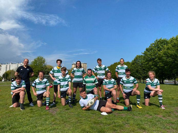 Leden van Rugby Gent voeren mee actie aan de Watersportbaan.