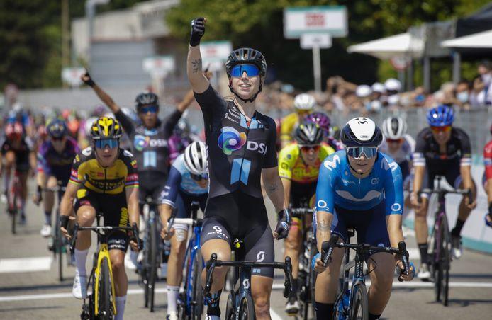 Lorena Wiebes winnares van de achtste etappe in de Giro Donne.
