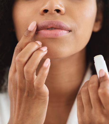 Drogen je lippen juist uit van lippenbalsem? Acht vragen over het populaire stickje