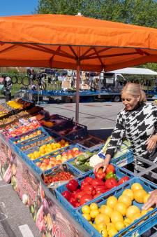 Weekmarkt in Domburg op verkeerde dag én plek: 'Ik heb niet eens mijn benzine terugverdiend'