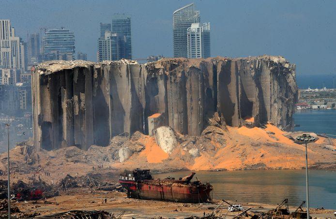 Ook de torenhoge graansilo werd verwoest door de explosie