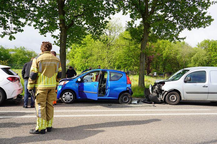 Vrouw gewond bij botsing op de Rijksweg in Rijen.