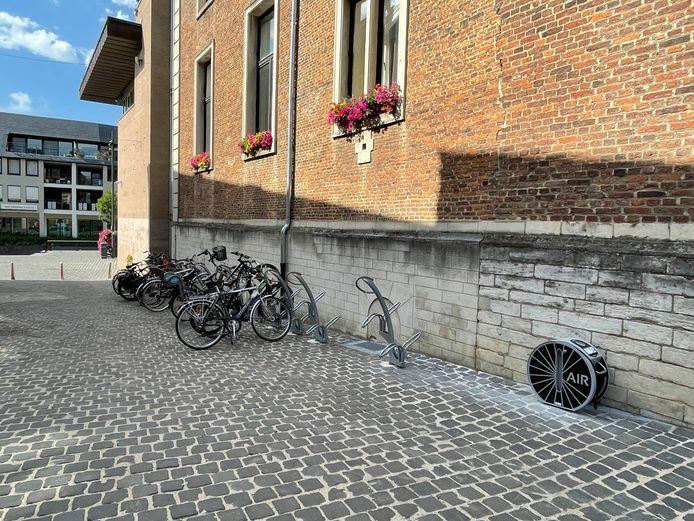 Vanaf nu is er een openbare fietspomp terug te vinden op de Grote Markt van Diest.