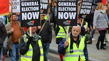 Gele hesjes nu ook in Londen: honderden demonstranten op de been