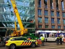 Bouwvakker gewond na val verdieping West