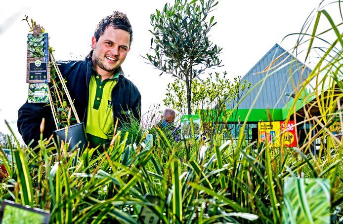 Tuinexpert Stephan Segers gift tips over het inrichten van een tuin.