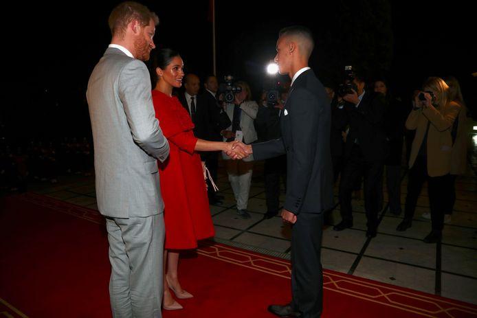 Harry en Meghan ontmoeten kroonprins Moulay Hassan in het koninklijk paleis in Rabat in Marokko.
