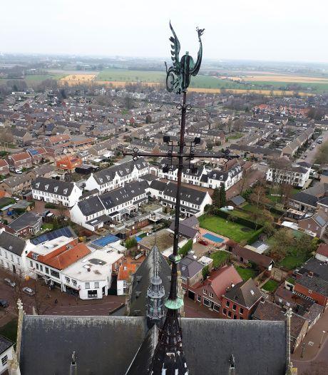 Renovatie Lambertuskerk wordt afgetrapt met neerhalen Phoenix van de torenspits
