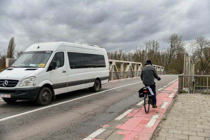 De onveilige toestand voor fietsers in Durmebrug is al langer een doorn in het oog.