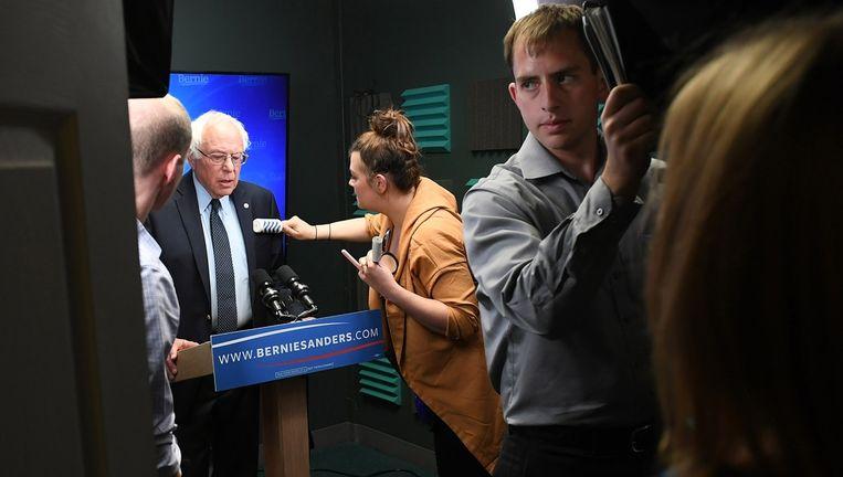 Bernie Sanders in de studio voor de opname van zijn speech donderdag. Beeld ap