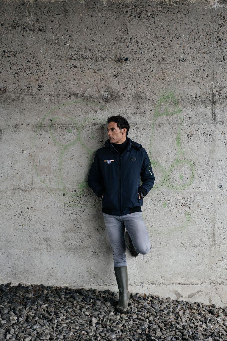 Sven Vanthourenhout: 'Mathieu van der Poel komt vaak zuiniger in die laatste ronde. Wout van Aert is toch van de langere volgehouden inspanning.' Beeld Wouter Van Vooren