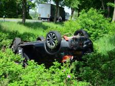 Trucker uit Ommen botst in Duitsland achter op auto: mannen uit Almelo en Lochem gewond