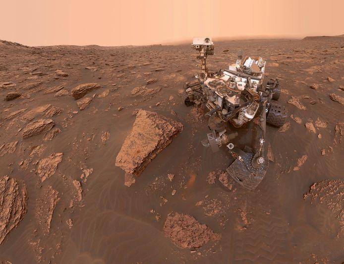 Le rover Curiosity (photo) a capturé des images de nuages incandescents dans le ciel de Mars.