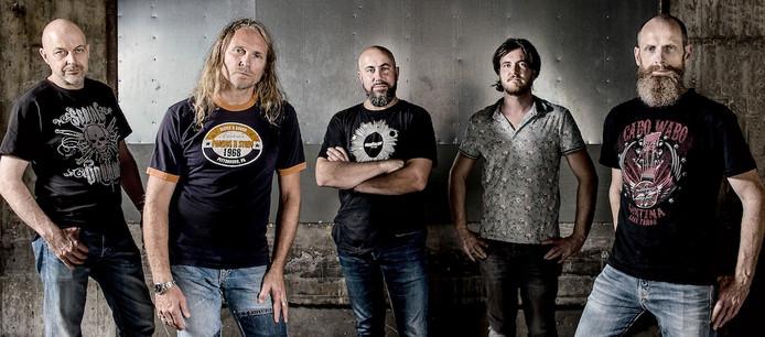 Rockband 7 Miles to Pittsburgh heeft zijn tweede album uitgebracht.