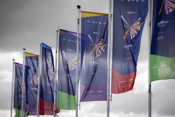 Vlaggen bij de Ahoy voor het Eurovisie Songfestival.