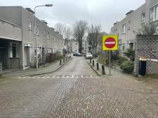 Rijrichting in de Arnhemse Boekhorstenstraat is omgedraaid; niet iedereen houdt zich daaraan