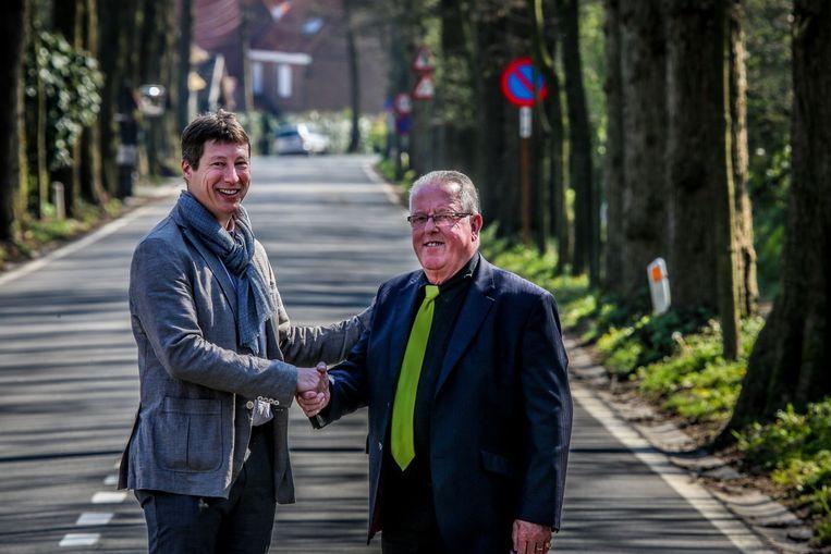 Philippe Degroote (links) van Wiel in Wiel en Marc Steeland van Yvegem Sportief slaan de handen in elkaar en organiseren samen het BK wielrennen in 2020.