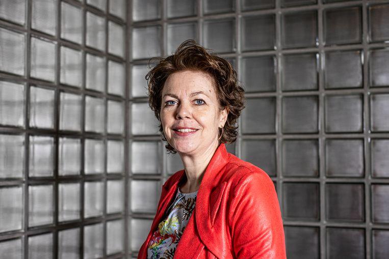 Tuur Elzinga (FNV) en Ingrid Thijssen (VNO-NCW) vinden dat er onverwijld een corona-herstelplan moet komen voor de economie. Beeld Jiri Büller