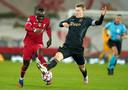 Thuis tegen Liverpool liet Schuurs zich ringeloren door Sadio Mané.