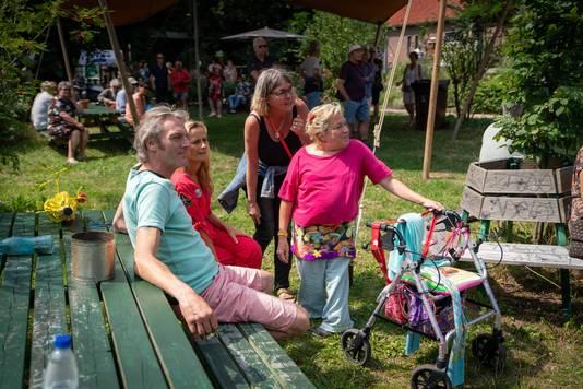 Bezoekers genieten volop.