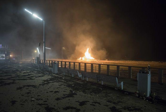 Schade op de Boulevard door vliegende vonken afkomstig van het vreugdevuur op het strand.