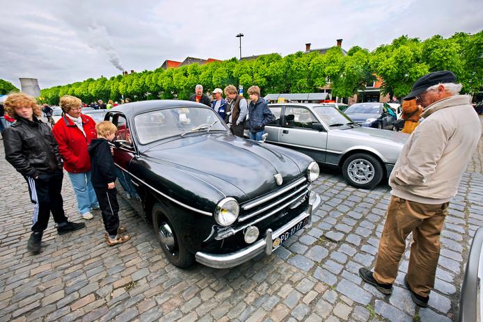 In 2013 werd het evenement La Fête des Limousines gehouden in Geertruidenberg. Zondag 2 september komen de Franse wagens naar Vught.