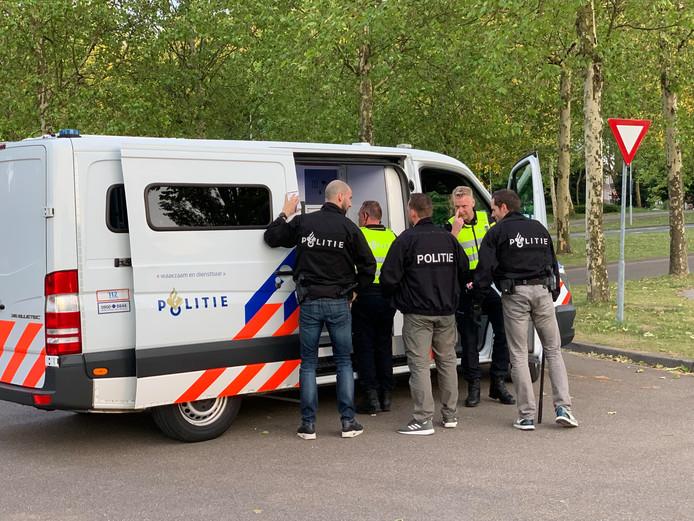 Inzet politie na wedstrijd FC Den Bosch - Go Ahead Eagles