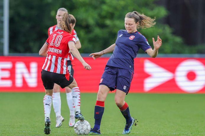 Fenne Kalma maakte de winnende goal voor FC Twente tegen PSV.