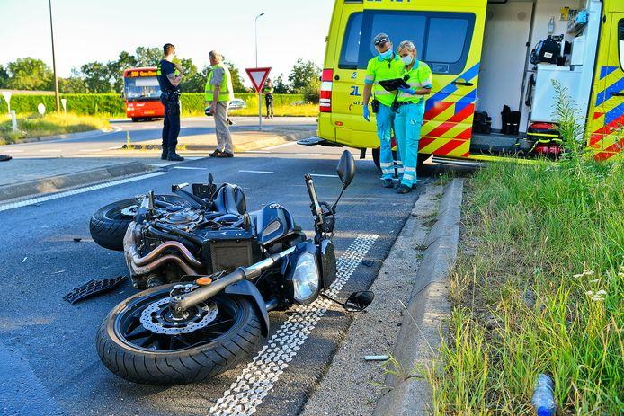Motorrijder gewond na botsing op de Luikerweg bij Borkel en Schaft.