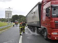 Vrachtwagen botst tegen vangrail op A58 bij Tilburg; verbindingsweg naar A65 weer open