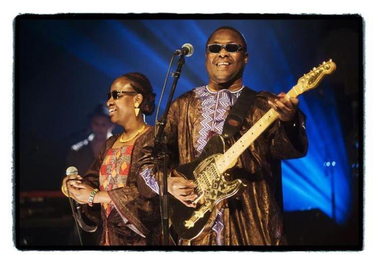 Amadou en Mariam brachten een slimme mix van exotiek en bluesrock. (foto: Alex Vanhee) Beeld UNKNOWN