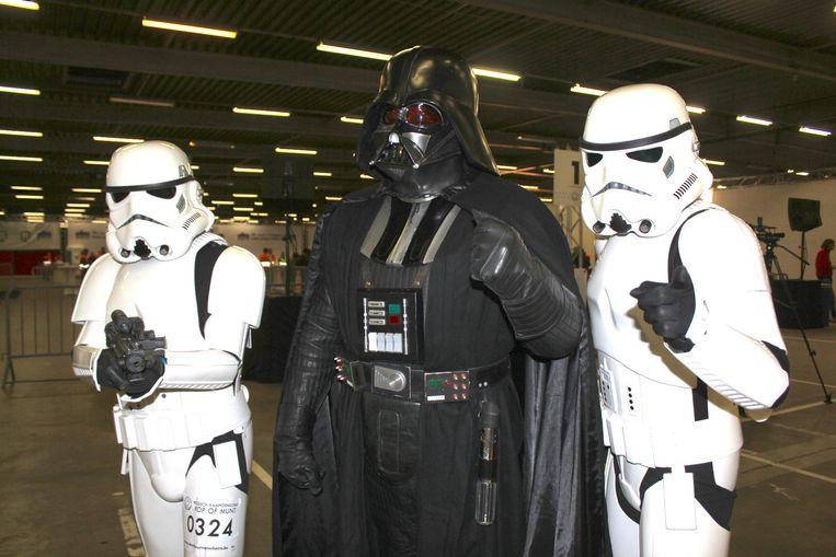 Clint Van Maercke, Joël Weyers en Bart Waterschoot als Darth Vader en twee stormtroopers.