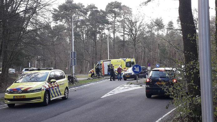 De racefietser raakte zwaargewond.