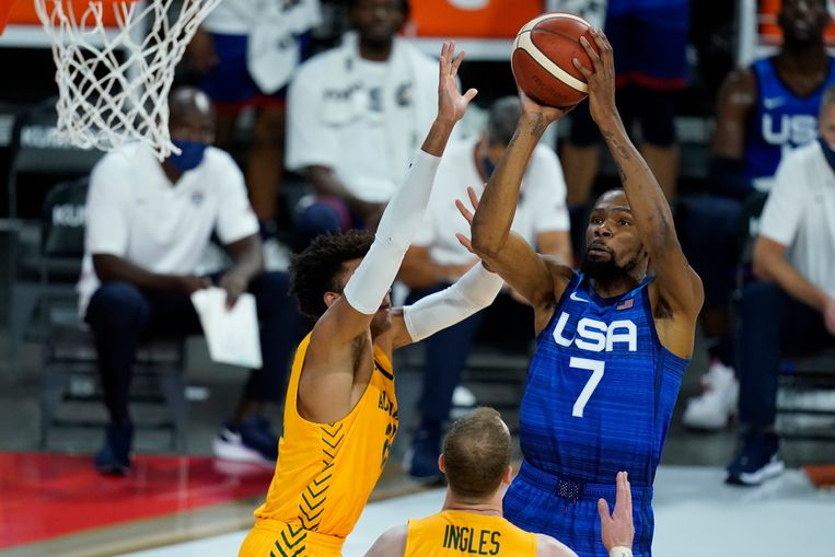 Kevin Durant is de grootste Amerikaanse basketbalster die wèl te porren was voor de Olympische Spelen na een bomvol coronaseizoen. Beeld AP