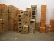 Tienduizenden kilo's 'levensgevaarlijk' vuurwerk dreigen Nieuwegeiners jarenlang cel op te leveren