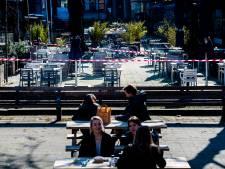 Rotterdamse bankjes zitten vol, maar de terrassen blijven leeg tijdens protest: 'Dit is toch niet houdbaar?'