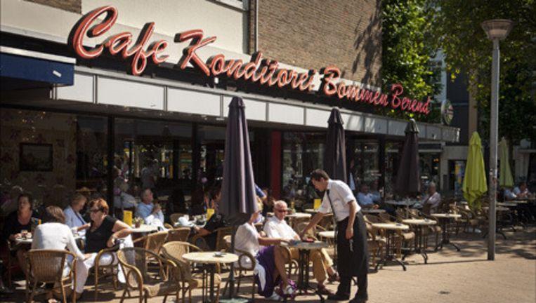 Cafe Konditorei Bommen Berend aan de Oude Ebbingestraat in Groningen. Indertijd was dit het eerste cafe van horecamagnaat Sjoerd Kooistra. Archieffoto ANP Beeld