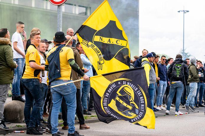 Een ding is zeker: de supporters laten NAC niet vallen.