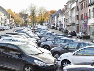 """Nieuwe Markt van Gavere zal niet langer alleen maar parking zijn: """"Dit wordt een ontmoetingsplaats met meer groen en ruime voetpaden"""""""